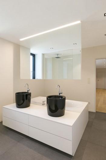 Salle de bains de la maison à Bastogne