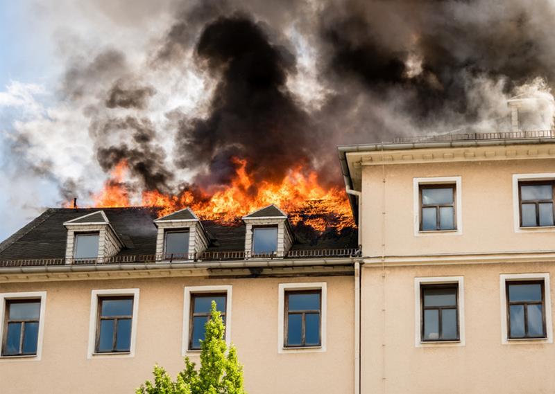 Comment réagit le polyuréthane en cas d'incendie ?